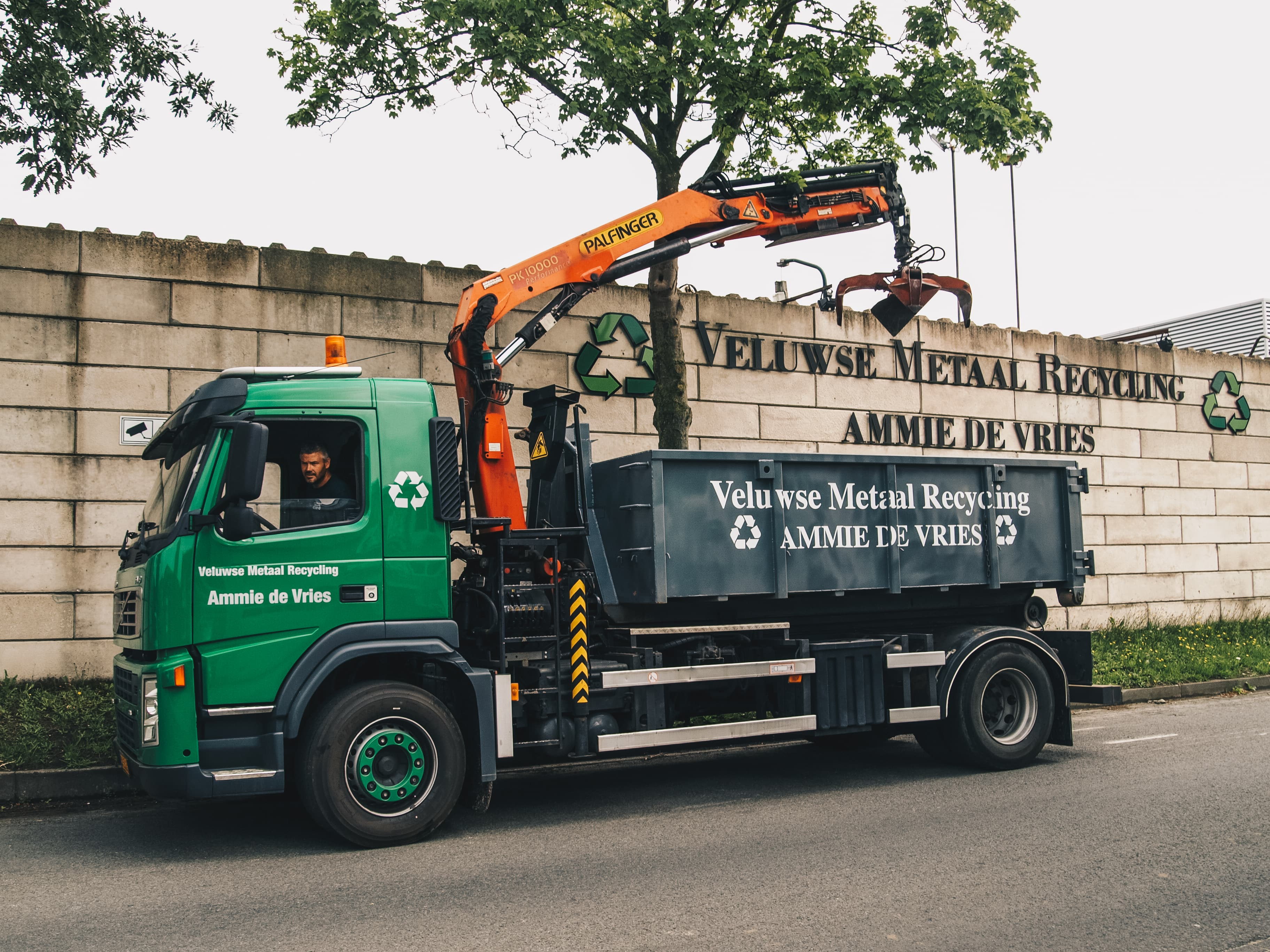 Veluwse Metaal Recycling Ammie de Vries | Containers